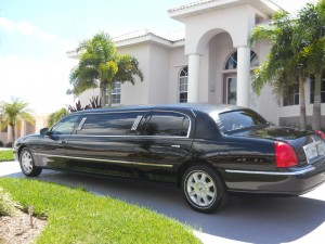 A Chauffeur 4 U Limo and Driver Services